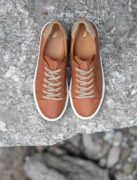 Sneakers - Cognac and Gold