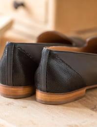Slippers - Black Python