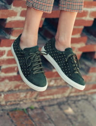 Sneakers - Green with golden nails