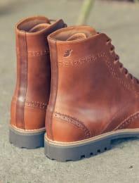 Wingtip Boots - Havana