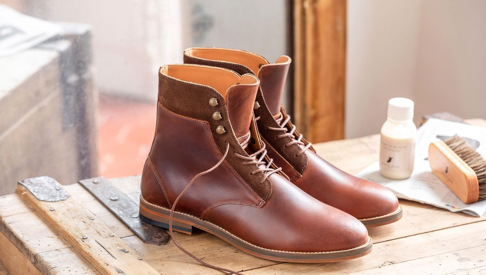 Combat boots and hooks - Burgundy