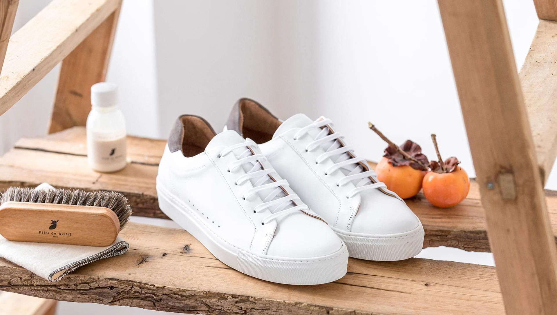 Sneakers - White and grey