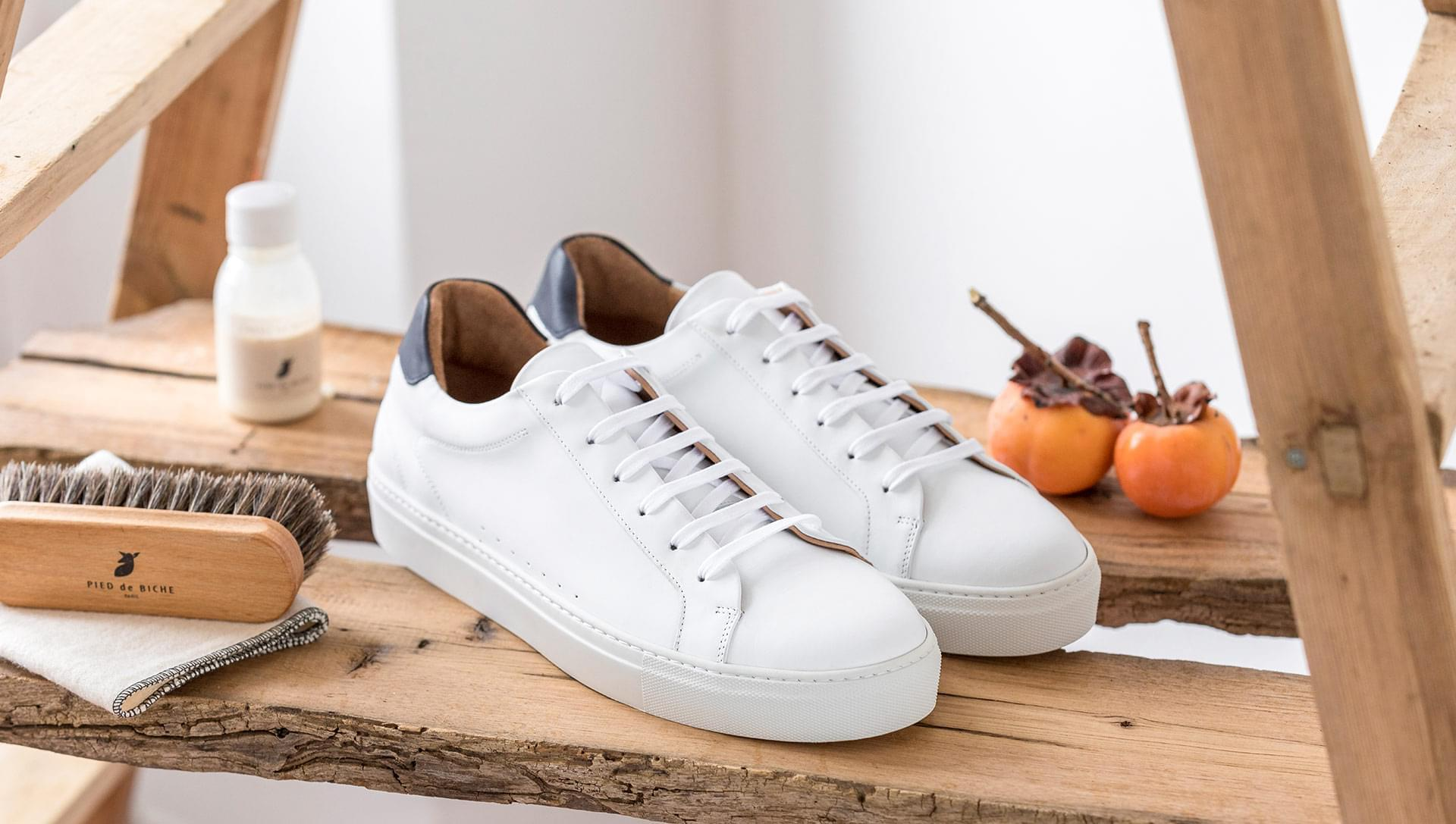 Sneakers - White and blue
