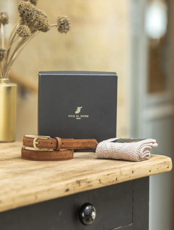 Christmas gift box - Cognac belt and socket