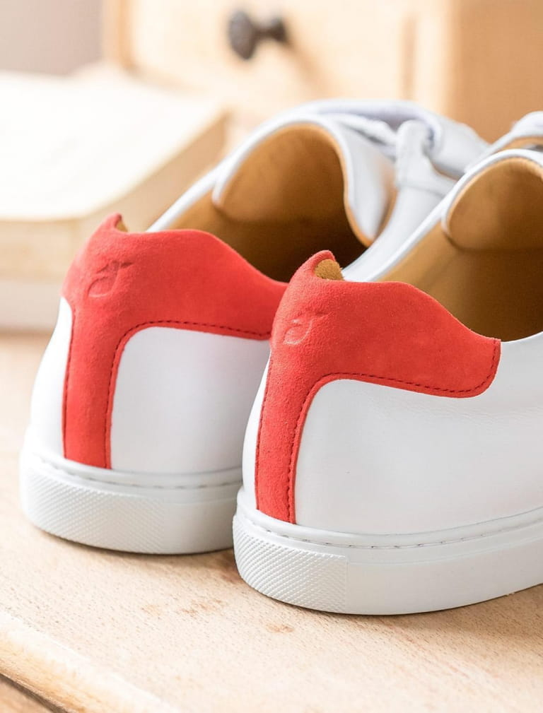 Sneakers - White and Vermeil