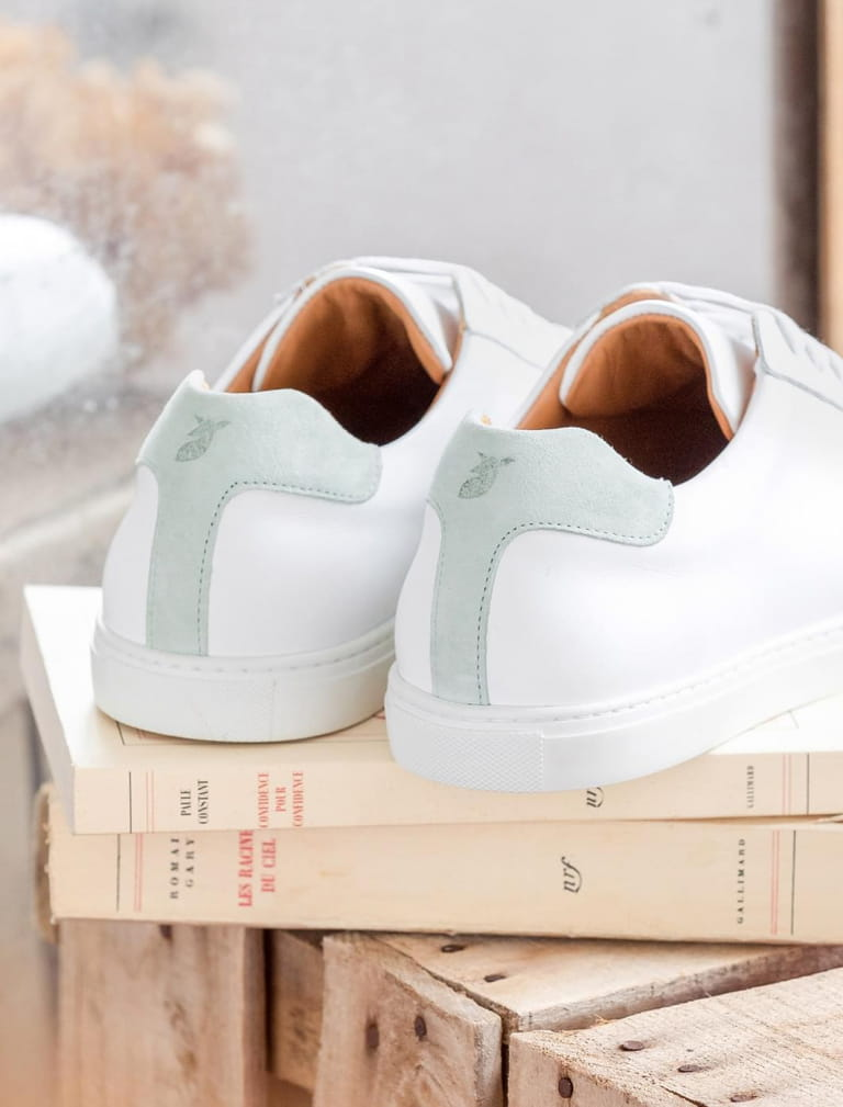 Sneakers - White and mint