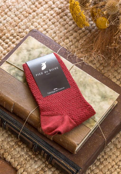 Embossed socks - Brick