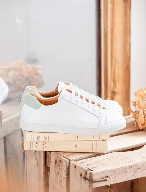 Sneakers with Laces - White and mint