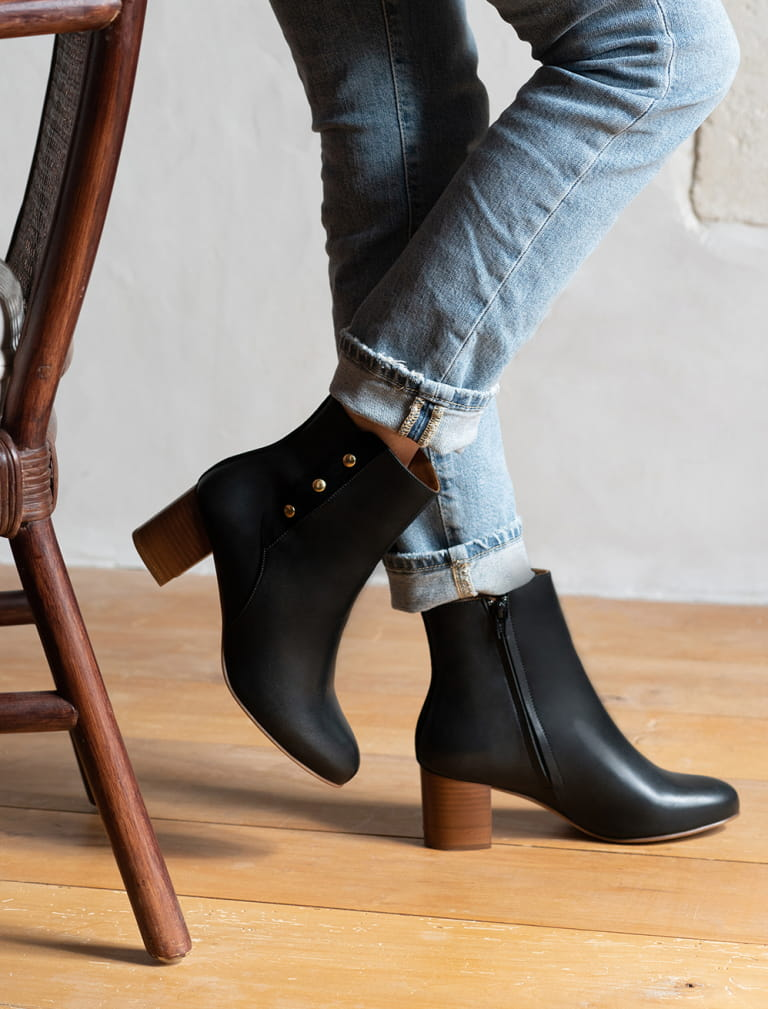 Romy Ankle heeled Boots - Black