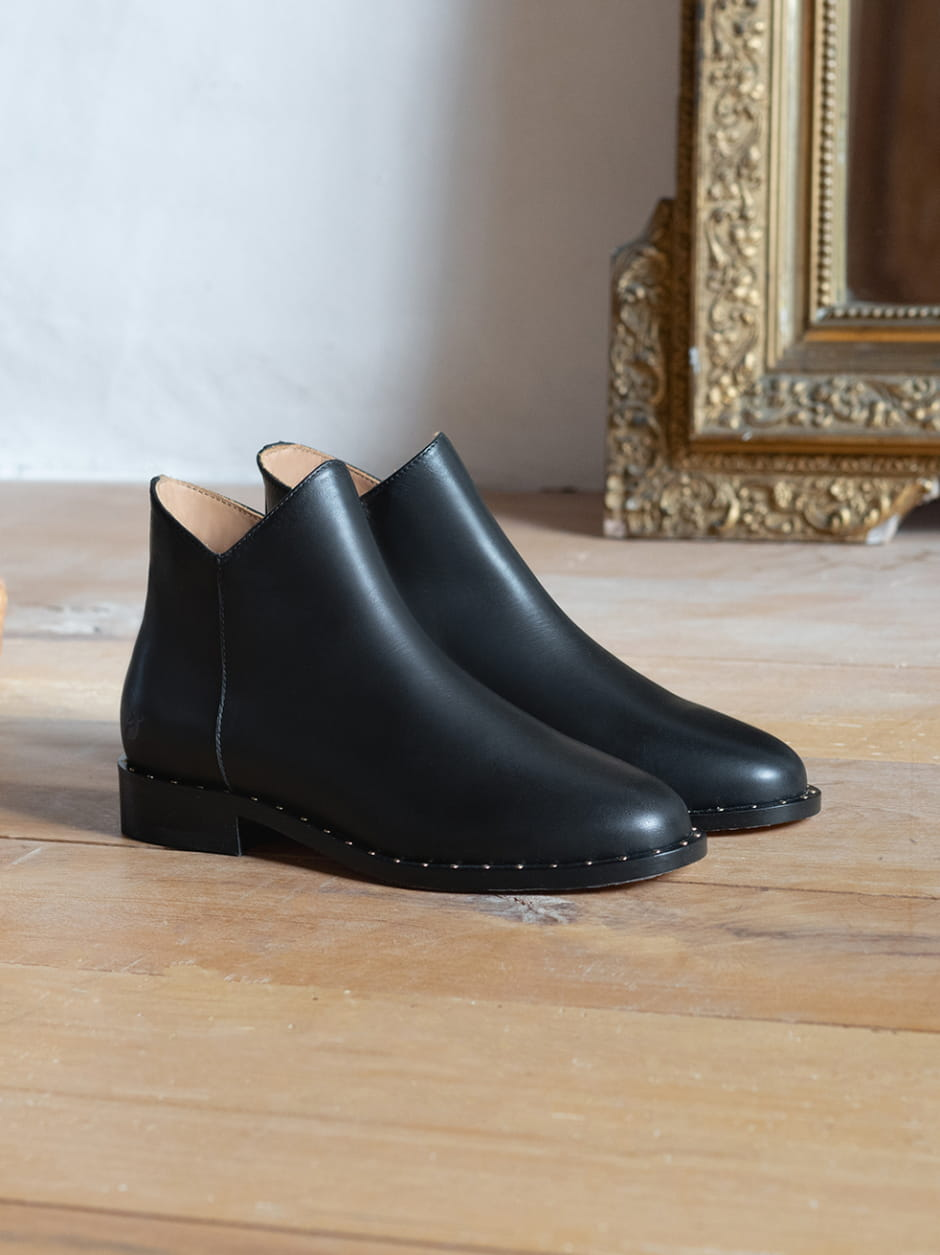 Gaëlle Boots - Black Rivets